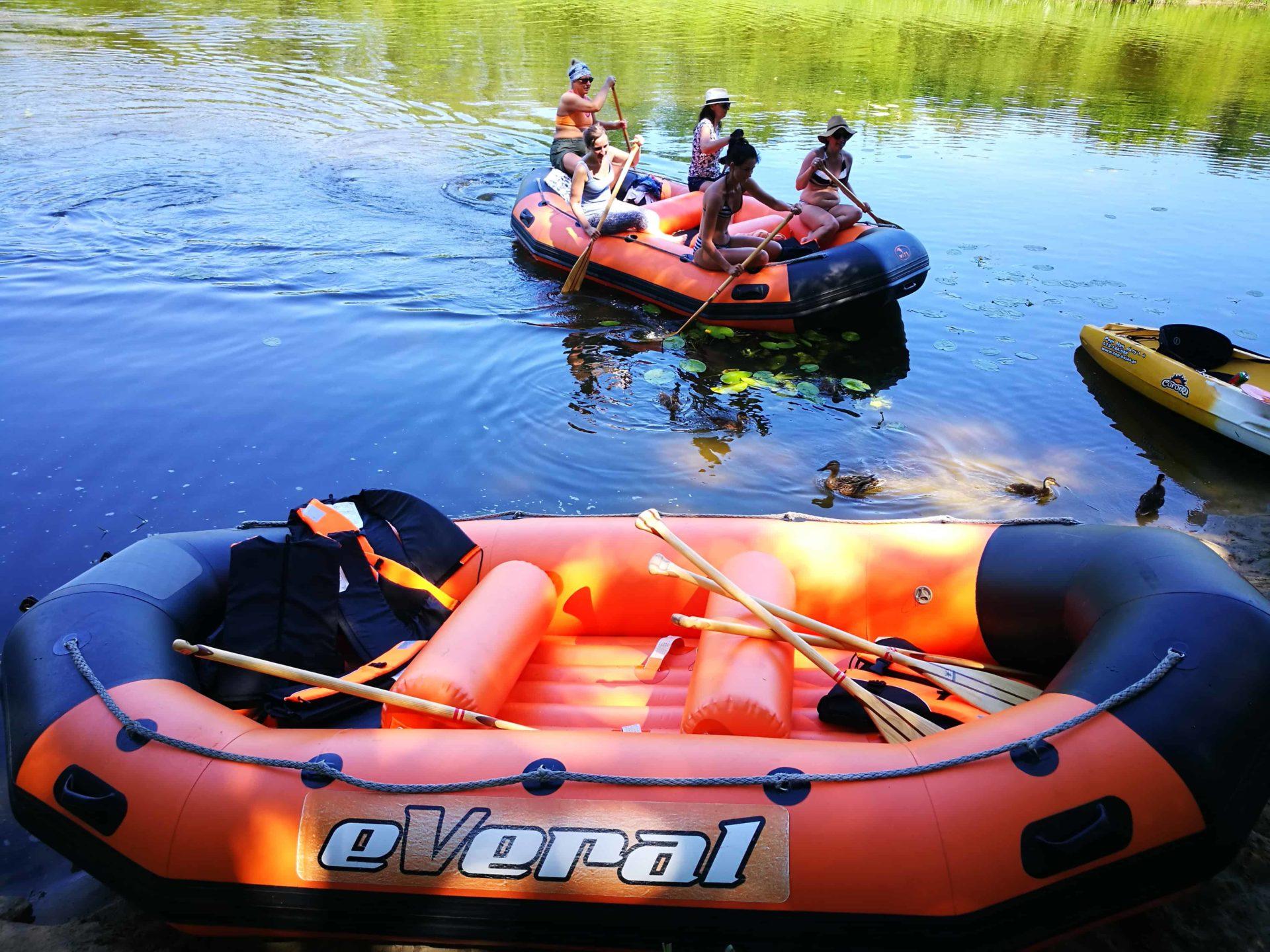 Spływy pontonowe rzekami Wkra i Narew. Rafting Mazowsze.